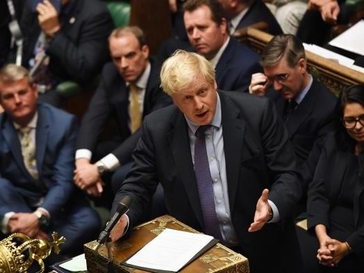 Après le rejet du calendrier de Boris Johnson, va-t-il y avoir un report du Brexit ?