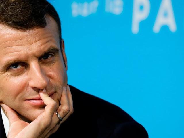 Les maires sont-ils sensibles à l'opération séduction de Macron?