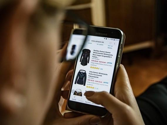 Amazon vient de présenter son premier van de livraison électrique