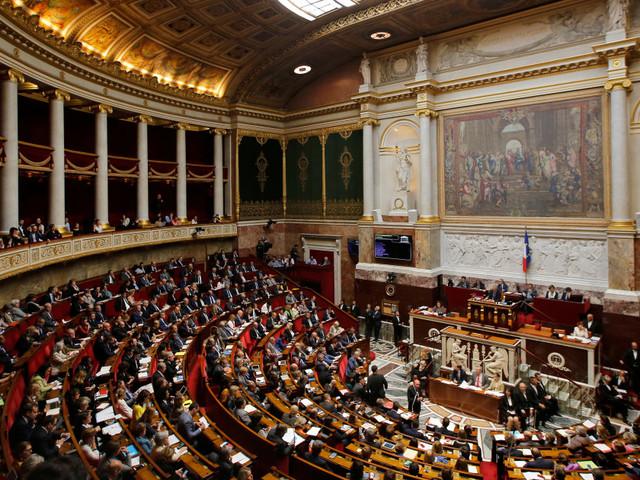 Loi antiterroriste: l'Assemblée nationale vote l'extension des contrôles d'identité près des frontières