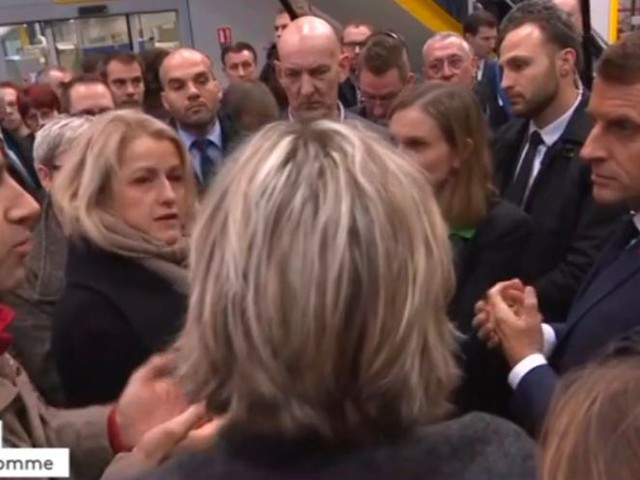 Emmanuel Macron sèchement interpellé par François Ruffin à l'usine Whirlpool d'Amiens (VIDEO)