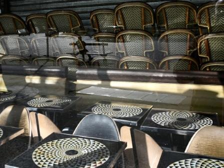Semaine inédite pour les Français face à l'épidémie qui s'accélère
