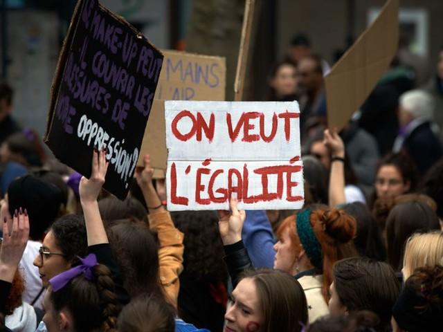 8 mars: les droits des femmes au coeur d'un appel à la grève