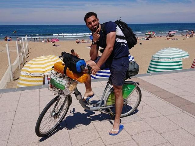 Insolite : un jeune pédale de Pau à Biarritz en Idécycle en moins de 24 heures