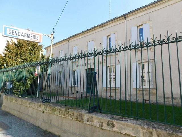 Lot-et-Garonne: très fortement alcoolisé, il bouscule sa femme devant les enfants
