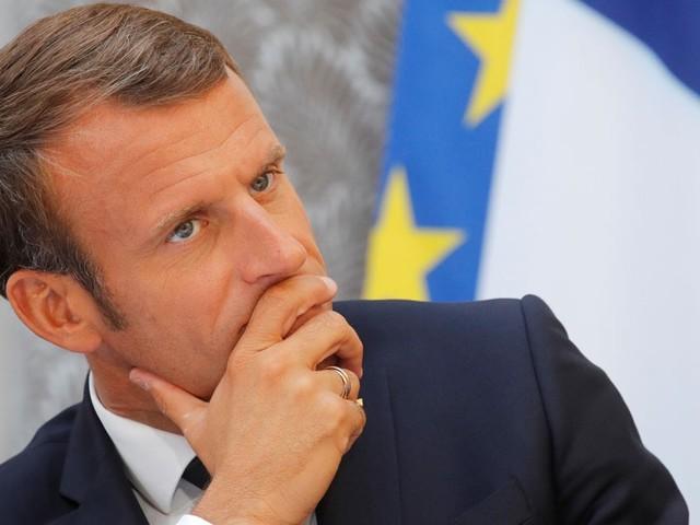 """Attentat de Halle : Macron condamne une """"attaque antisémite"""""""