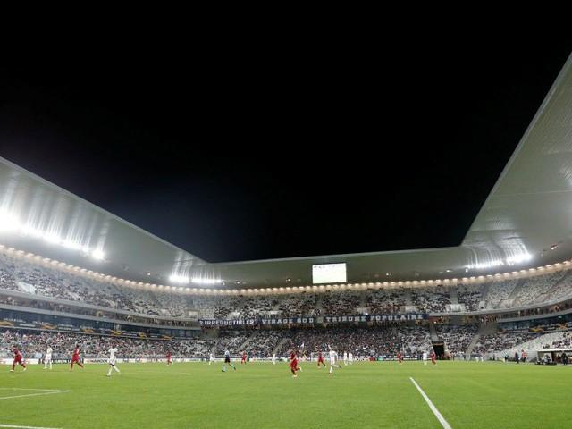 Bordeaux-Nîmes interrompu par les ultras bordelais
