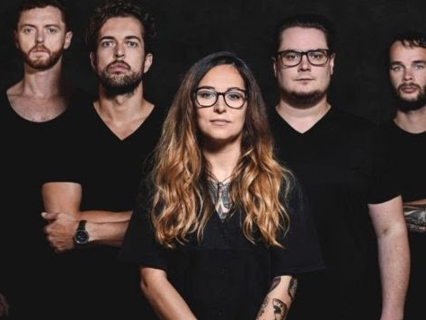 For I Am King : nouveau single dévoilé, Home