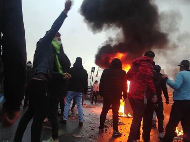 En Iran, la répression de la contestation a fait au moins 143 morts