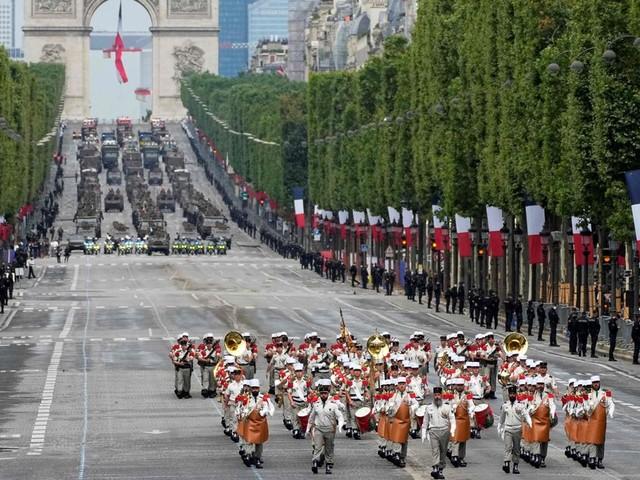 En régulant le temps de travail, l'Union européenne piétine les forces armées