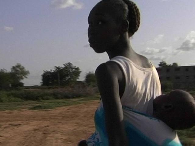 """Contrainte à l'exil au Sénégal : """"Koumba m'intéressait parce qu'elle questionnait ce qu'est être français"""""""