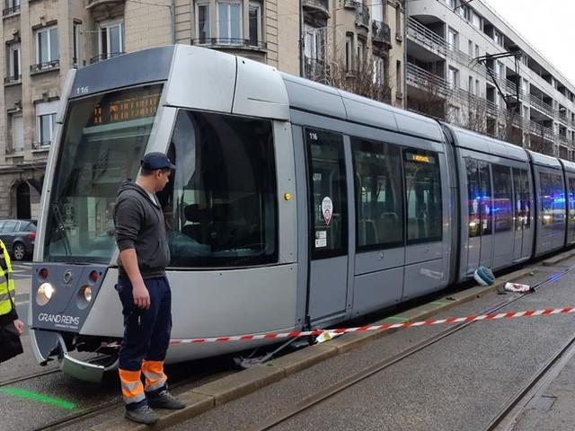 Accident mortel entre un tram et une trottinette à Reims : encore beaucoup de questions