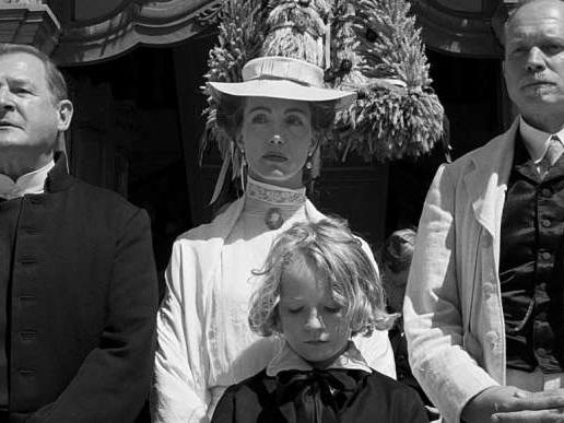 «Le Ruban blanc» : Michael Haneke filme la soumission des désirs et des volontés