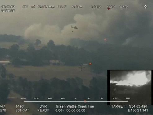 Images impressionnantes des feux de brousse en Australie: plus de 680 maisons ravagées par les flammes (vidéo)