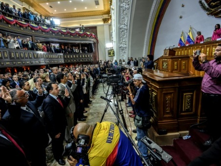 Venezuela: les gouverneurs de l'opposition refusent de prêter serment