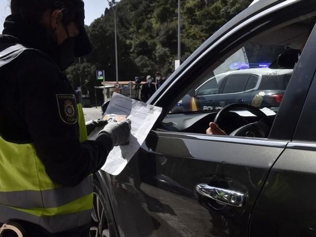 Les non-vaccinés de retour d'Espagne et du Portugal devront avoir un test de moins de 24h