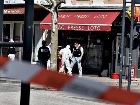 Drôme: deux morts dans une attaque au couteau à Romans-sur-Isère