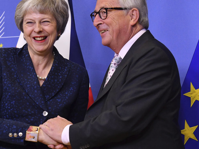 Brexit: l'UE acte son divorce avec la Grande-Bretagne mais Londres n'en a pas fini avec les débats