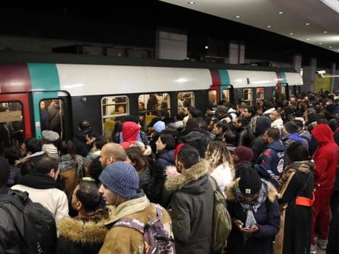 Grève SNCF RATP: métros, RER, bus, TGV, l'info trafic du 11décembre