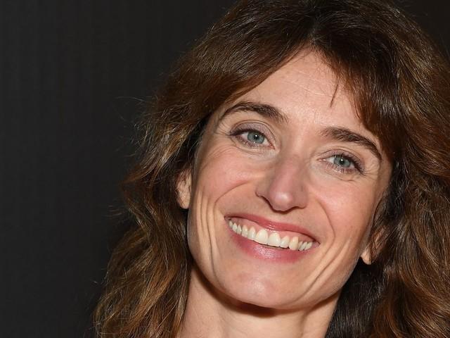 """La créatrice de """"Dix pour cent"""" prépare une série Netflix sur le stand-up"""