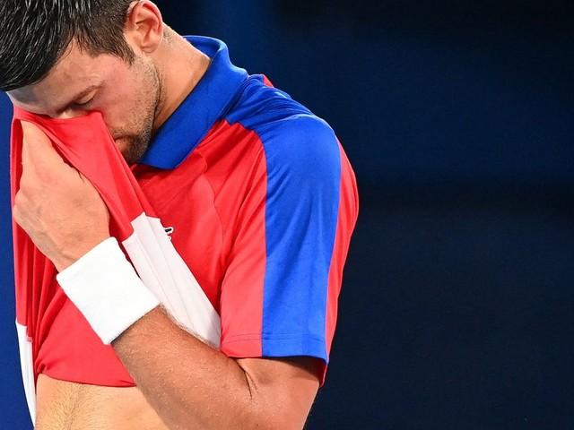 """JO de Tokyo: Djokovic renversé par Zverev, pas de """"Golden Slam"""" pour le Serbe"""
