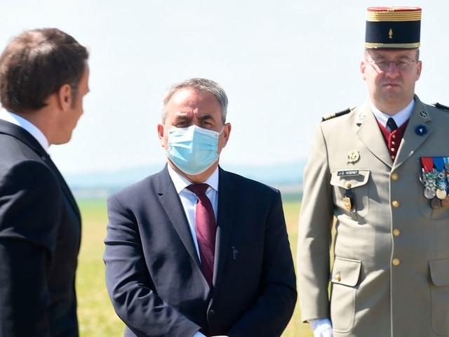 Comment Xavier Bertrand se taille le costume d'opposant à Emmanuel Macron