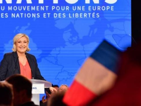 """Marine Le Pen tacle Laurent Wauquiez, l'opposant """"tout contre"""" le gouvernement"""