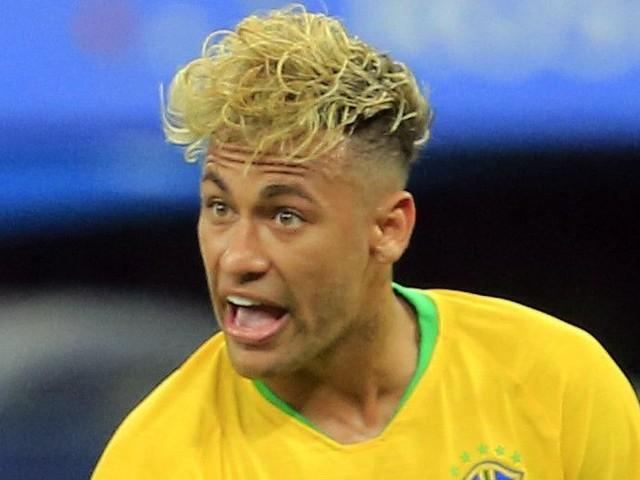 Neymar : Sa nouvelle coupe de cheveux moquée par une légende du foot français !