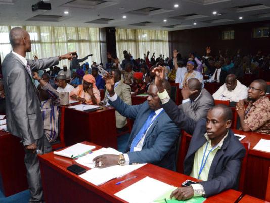 De la Conférence nationale au Dialogue national