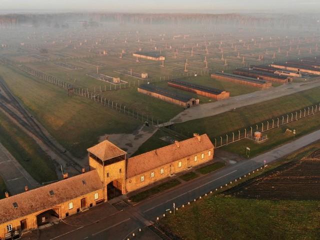 Ce que vivre veut encore dire quand on a vécu Auschwitz
