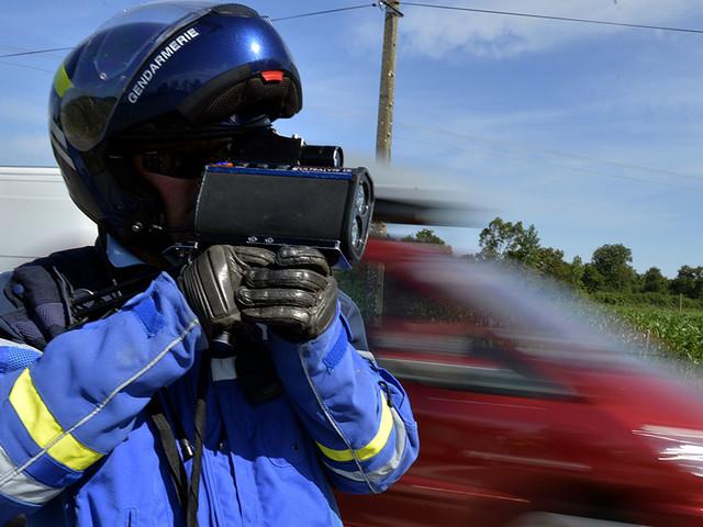 Les radars qui flashent les excès de vitesse vont aussi vérifier si le conducteur est assuré