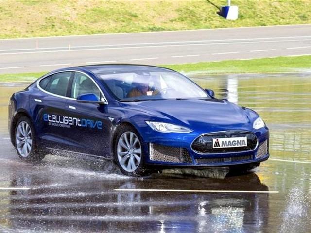Magna E1 : l'étonnante Tesla Model S à triple motorisation