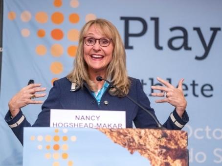 Transformée par le sport, Nancy Hogshead-Makar veut maintenant le transformer