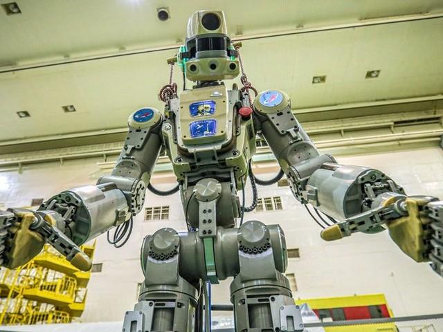 Le vaisseau Soyouz, avec le robot humanoïde Fedor à son bord, ne parvient pas à s'arrimer à l'ISS