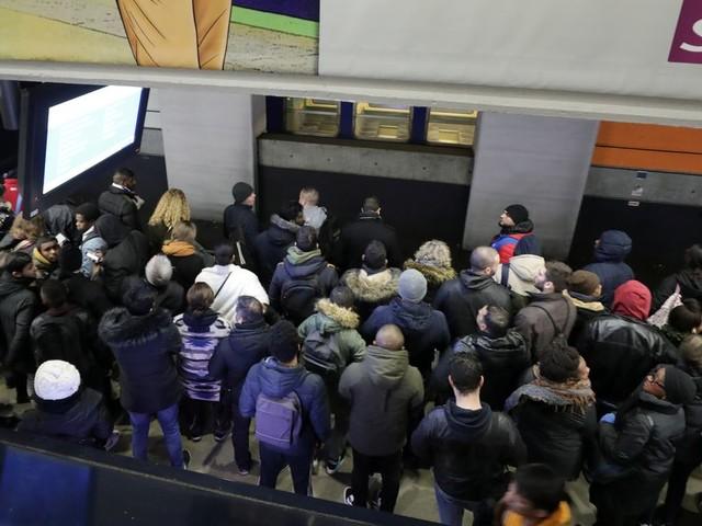 Grève du mercredi 11 décembre: suivez annonces, trafic et blocages en direct