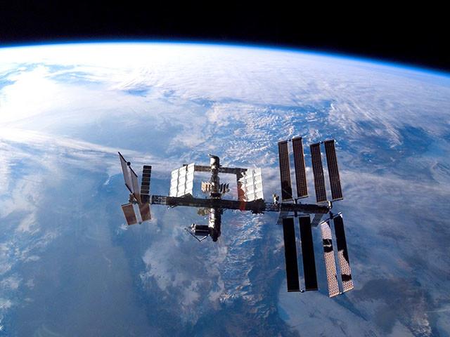 ISS : des chercheurs ont percé le secret de la bactérie de la station spatiale internationale