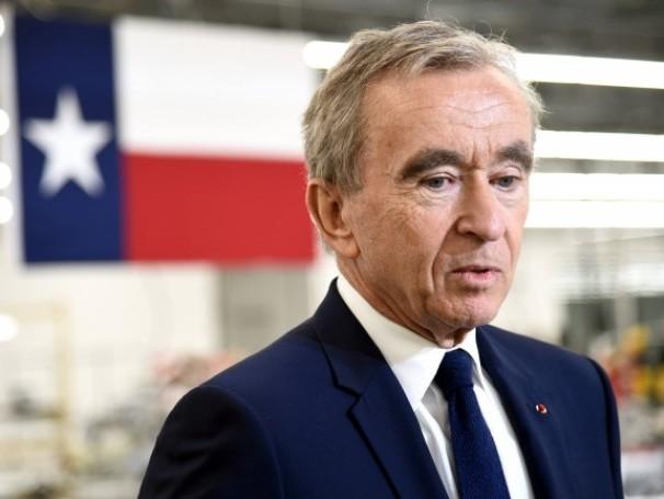 Le PCF traîne Bernard Arnault en justice