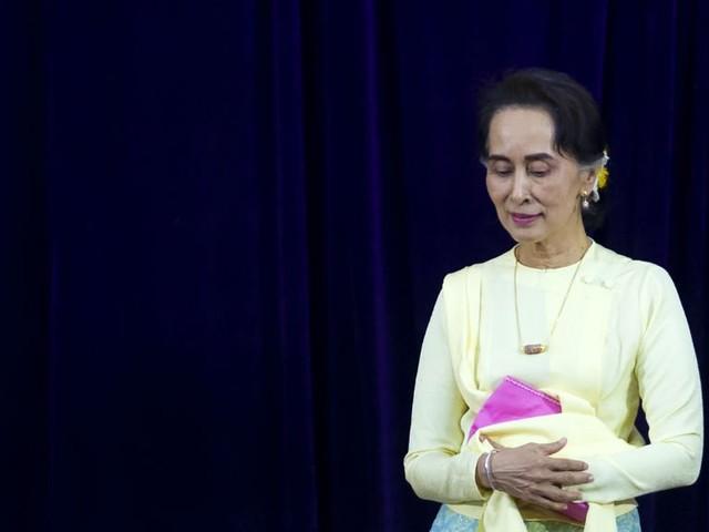 Birmanie : il critique Aung San Suu Kyi sur Facebook et écope de sept ans de prison