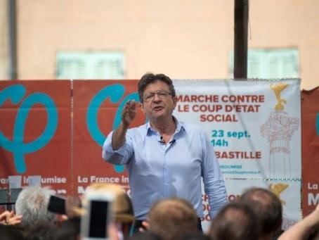 Mélenchon, leader de la gauche radicale devenu le meilleur ennemi de Macron