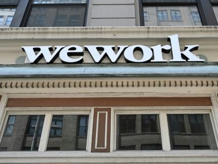 WeWork sous les 20 milliards, pourrait reporter son arrivée à Wall Street