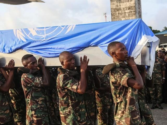 RDC: hommage de la Monusco aux 14 casques bleus tanzaniens tués