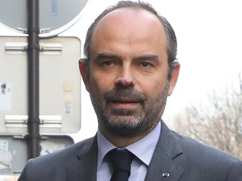 Gilets jaunes: le gouvernement français met en place une procédure assez rare pour sortir de la crise