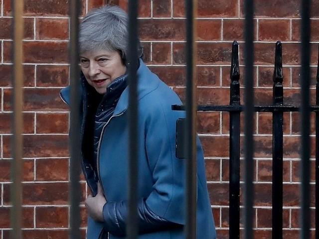 Brexit : Theresa May fragilisée dans les discussions avec l'UE par une défaite au Parlement