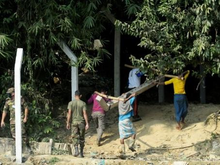 Le Bangladesh clôture les camps de réfugiés rohingyas