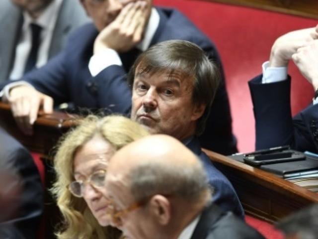 """Hulot """"totalement asphyxié"""" au gouvernement (Jadot)"""