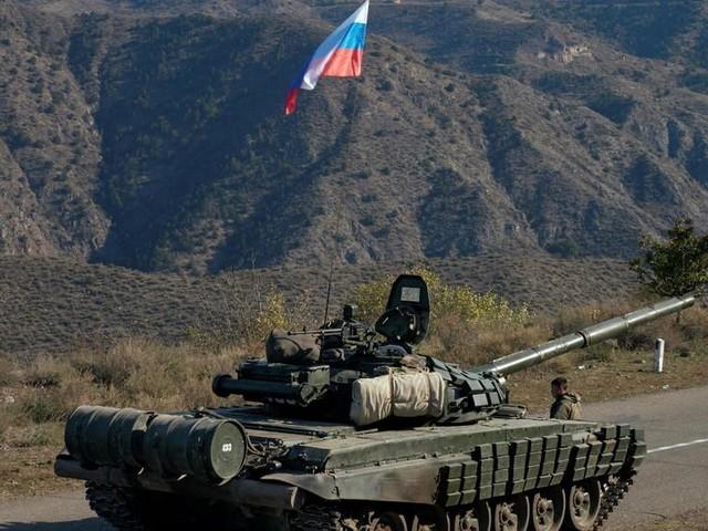 """Haut-Karabakh: """"Vladimir Poutine reprend le contrôle de l'Arménie"""""""
