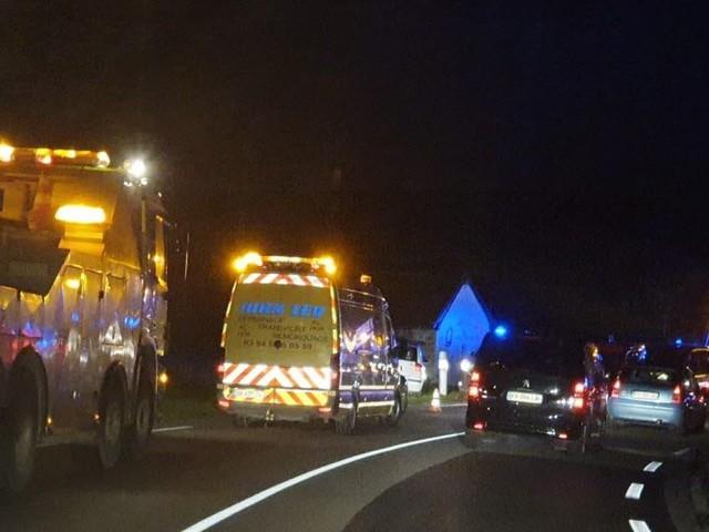 Collision entre un camion et deux véhicules : deux blessés dont un grièvement sur la RN83
