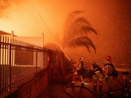 Californie: nouveaux départs de feu près de Los Angeles