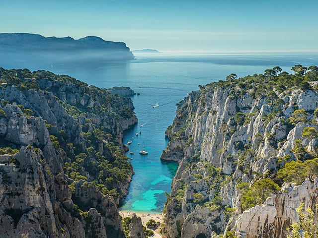 Visite des calanques de Marseille à Cassis en bateau avec baignade