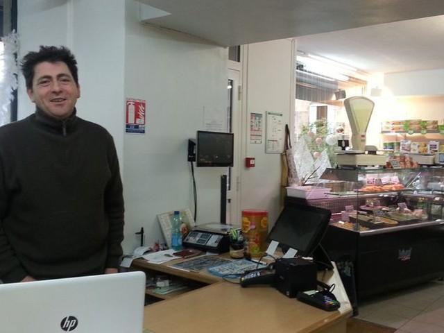 Faute de clients, le patron de la supérette Vival à Bourganeuf pense à mettre la clé sous la porte